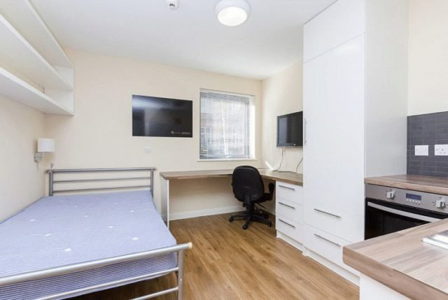 Best 1 Bedroom Flat To Rent In South Lambeth Road London Sw8 With Pictures