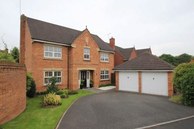 Best 4 Bedroom Detached House For Sale In Kensington Drive Stafford St18 With Pictures