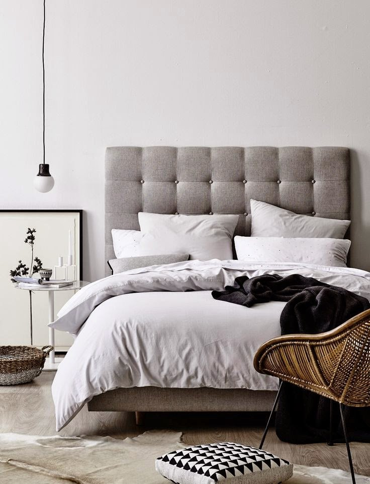 Best Black Tan And White Bedroom Design Ideas How To Simplify With Pictures