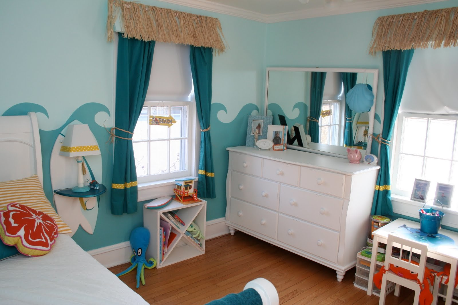 Best Room Baby Dazzle Little Girl S Surfer Room With Pictures