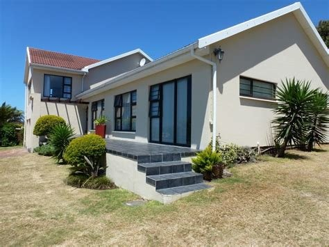 Best 3 Bedroom House For Sale In Beacon Bay With Pictures