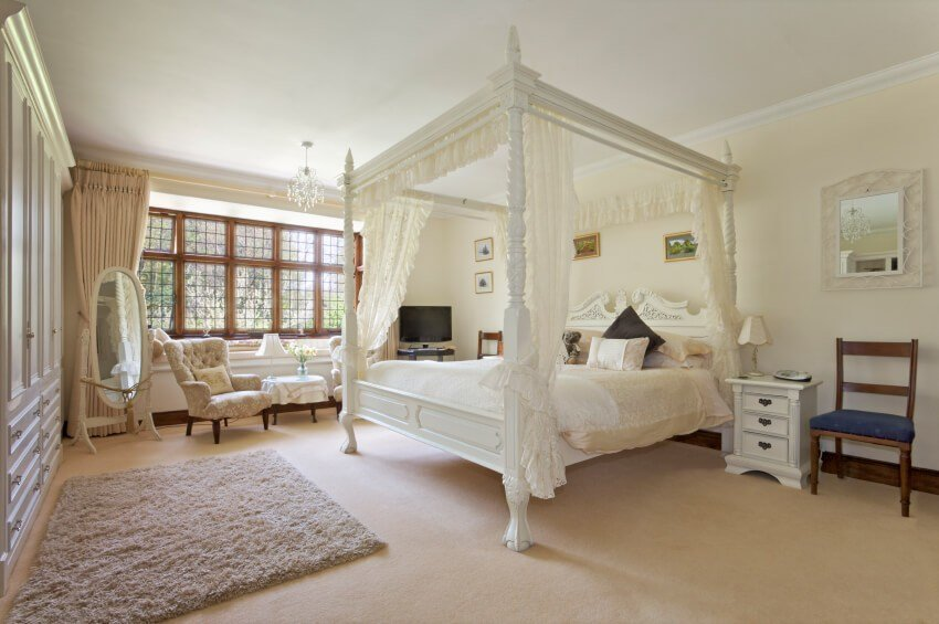 Best 18 Master Bedrooms Featuring Canopy Beds And Four Poster Beds Beautiful Pictures With Pictures