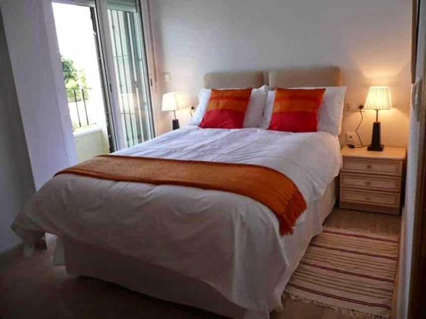Best Simple Way To Arrange The Interior Small Bedroom Home With Pictures