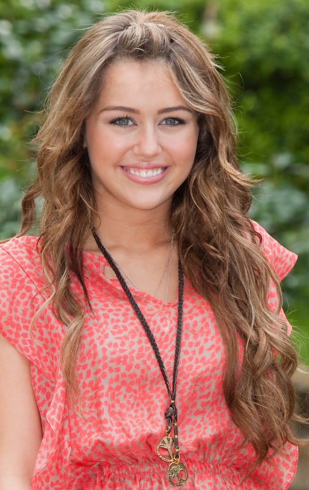 Free Miley Cyrus Hairstyles 2012 Guys Fashion Trends 2013 Wallpaper