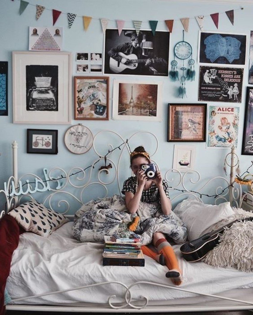 Best What Is Hot On Pinterest 5 Vintage Bedroom Décor With Pictures