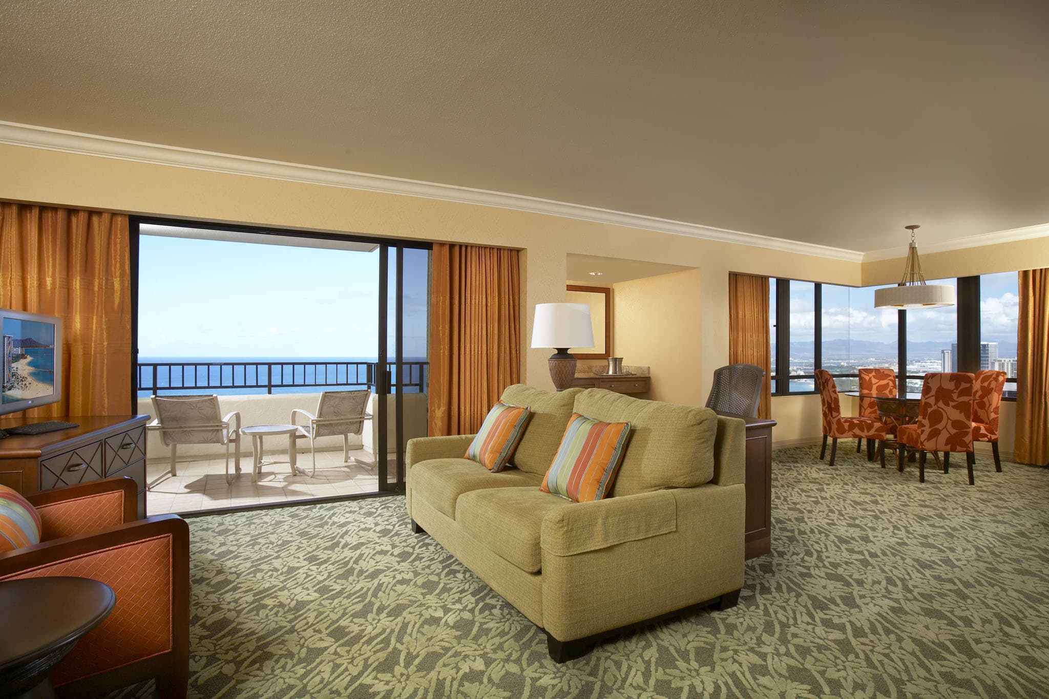 Best Hilton Hawaiian Village Rooms Suites Photo Gallery With Pictures