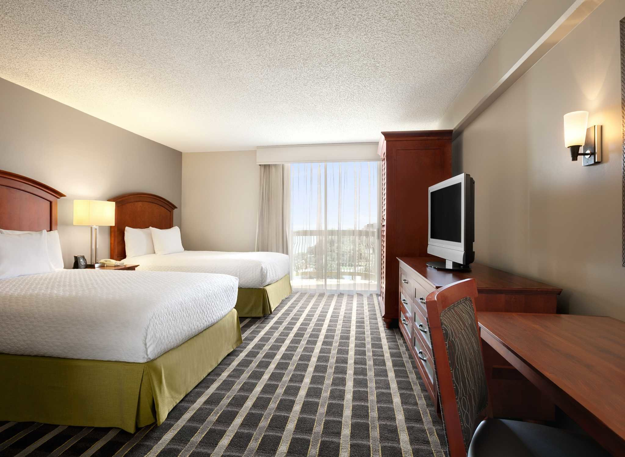 Best Hotel Del Embassy Suites Sfo Airport Waterfront En With Pictures