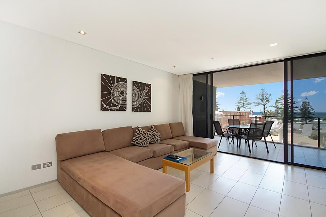 Best Burleigh Heads Accommodation Ambience On Burleigh Beach With Pictures