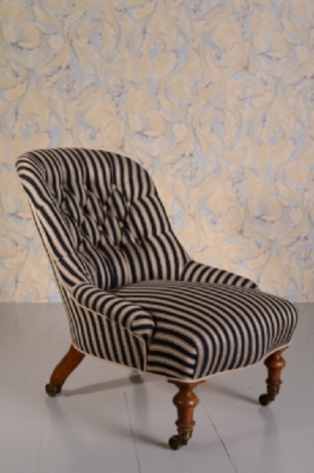 Best Beautiful Antique Upholstered Bedroom Chair Miles With Pictures