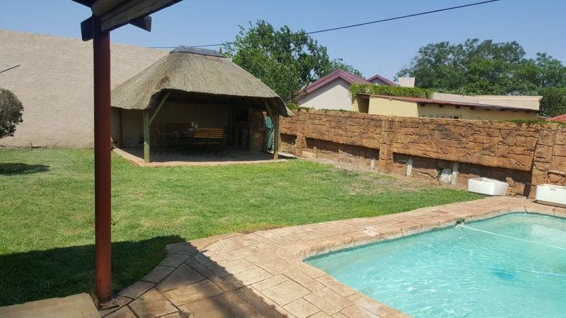 Best 3 Bedroom House For Rent In Ridgeway Johannesburg With Pictures
