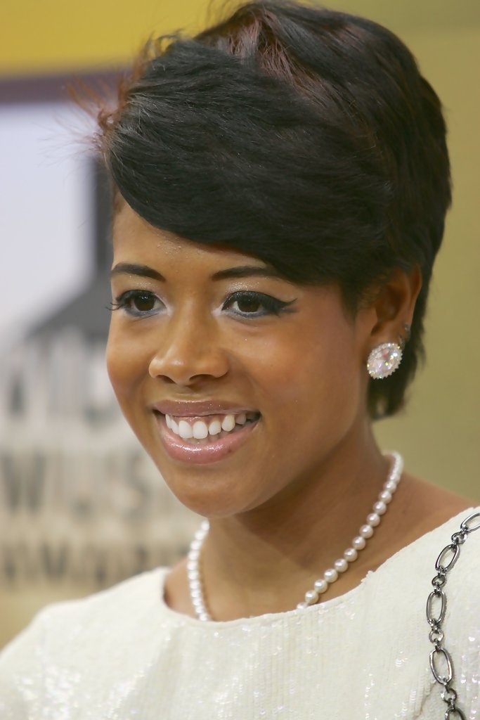 Free Kelis Short Side Part Short Hairstyles Lookbook Wallpaper