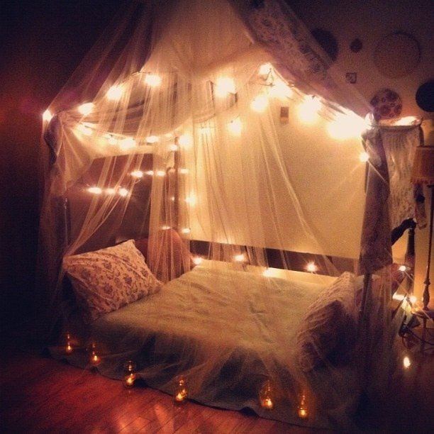 Best 14 Ways To Decorate Your Bedroom With Fairy Lights Wave Avenue With Pictures