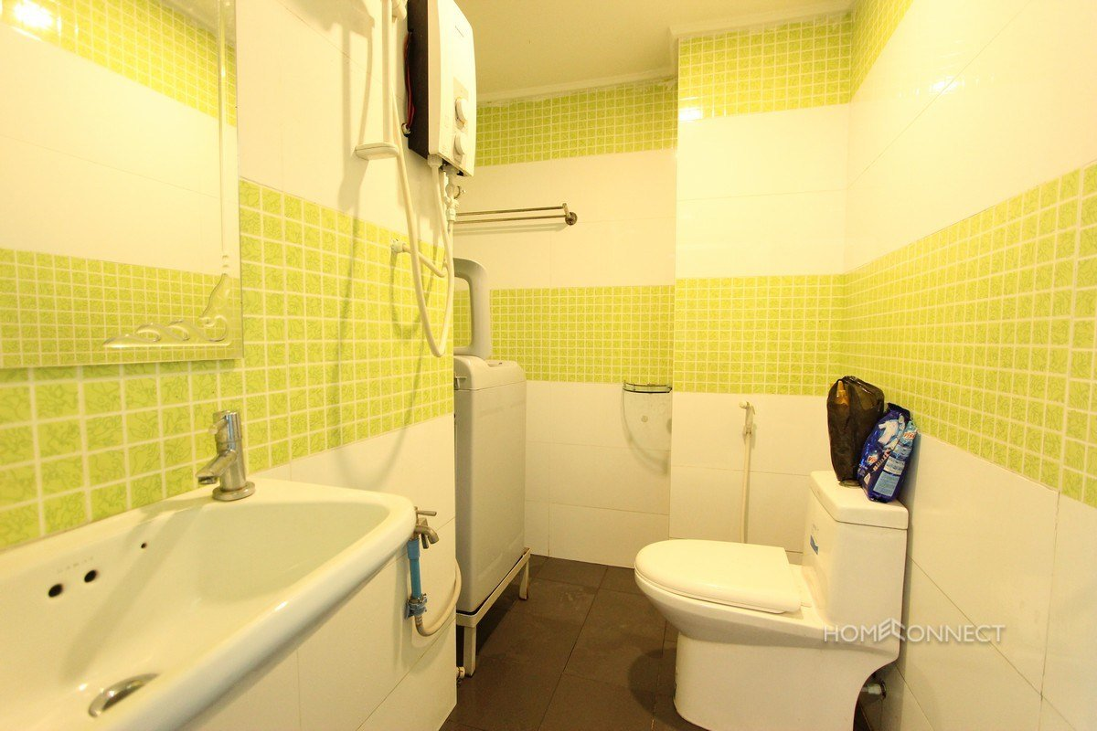 Best Comfortable 2 Bedroom 1 Bathroom Apartment For Rent Near Russian Market Phnom Penh With Pictures Original 1024 x 768