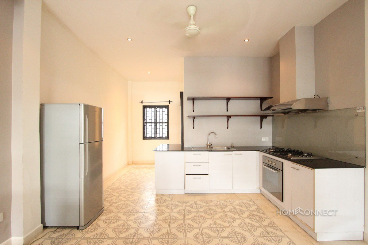 Best Renovated 2 Bedroom 3 Bathroom Apartment For Rent Near Riverside Phnom Penh Apartments With Pictures
