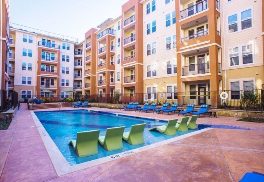 Best 4000 Hulen Urban Apartment Homes Fort Worth Tx Apartment Finder With Pictures