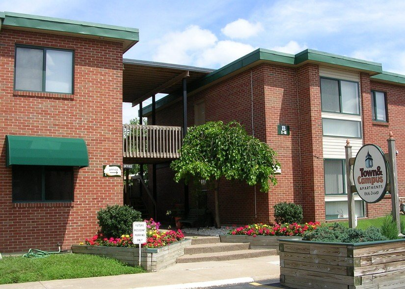 Best Town And Campus Apartments Springfield Mo Apartment With Pictures