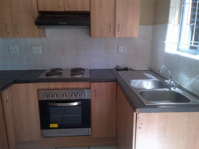 Best Sectional Title To Rent In Bellville Central 2 Bedroom With Pictures