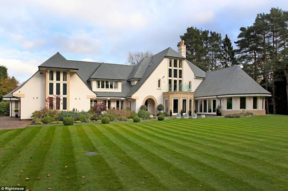 Best Most Viewed Properties For Sale In Britain In 2017 Daily With Pictures