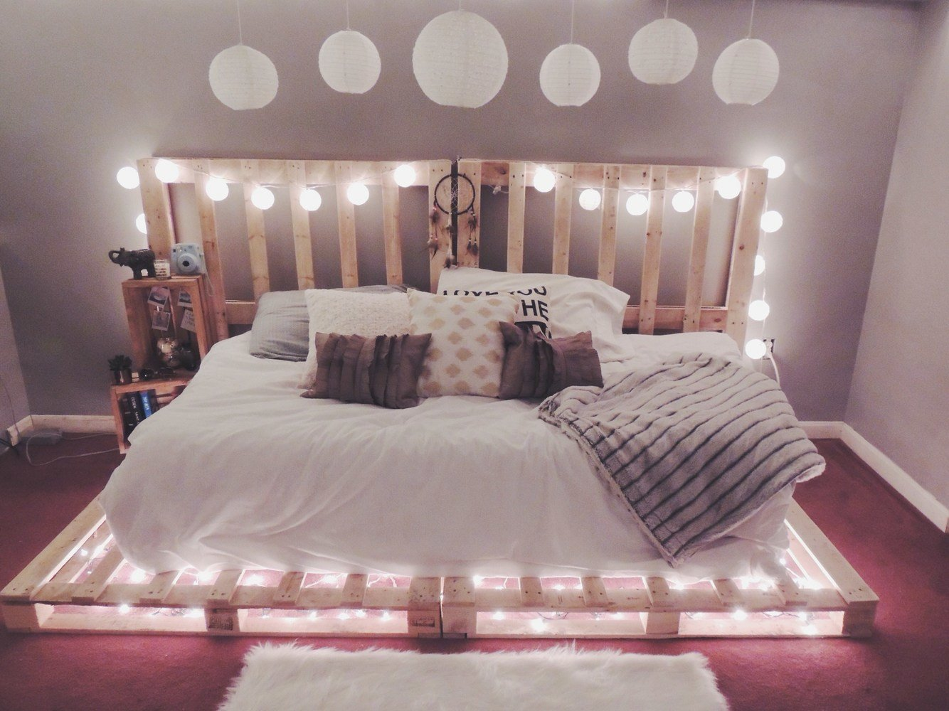 Best Picture Of Ideas To Hang Christmas Lights In A Bedroom With Pictures