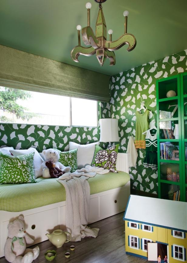 Best Girl S Nature Inspired Bedroom Hgtv With Pictures