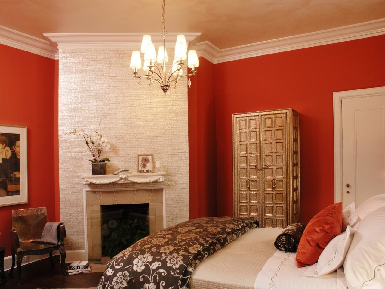 Best Small Bedroom Color Schemes Pictures Options Ideas Hgtv With Pictures