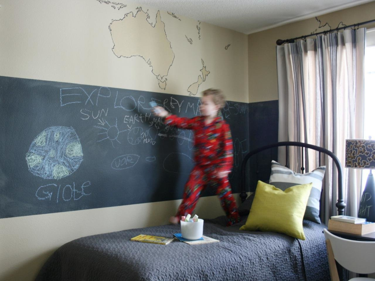Best 10 Creative Yet Simple Projects For Kids Rooms Hgtv With Pictures