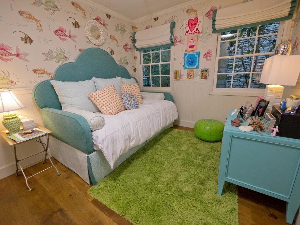 Best A Tween Girl S Underwater Themed Bedroom Hgtv With Pictures
