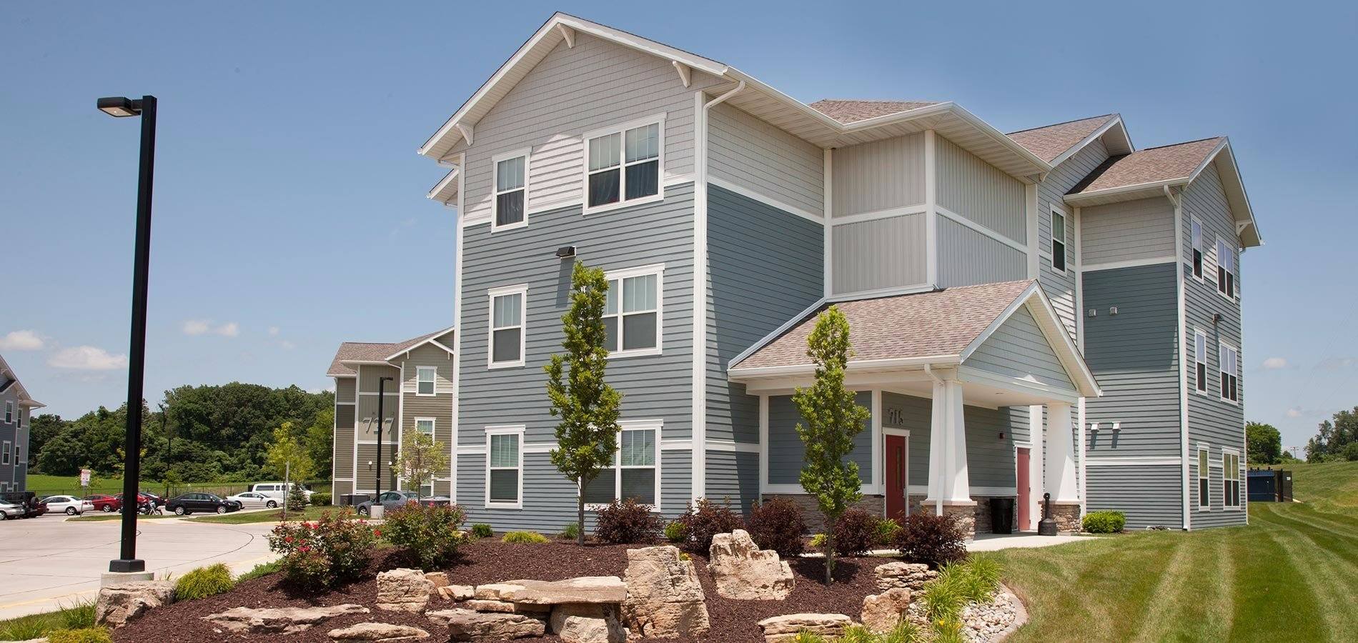 Best Axis Edwardsville Luxe 2 4 Bedroom Student Apartments With Pictures