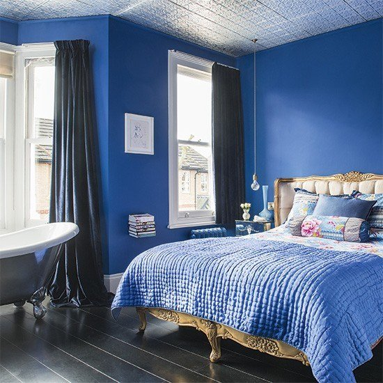 Best Sapphire Blue Bedroom With Silver Roll Top Bath With Pictures