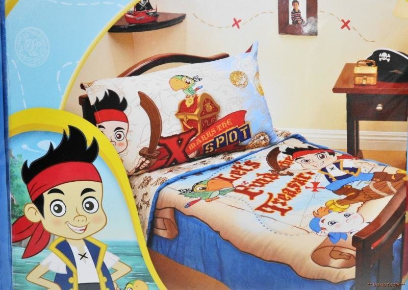 Best Disney Jake The Neverland Pirates 4 Piece Toddler Bed With Pictures