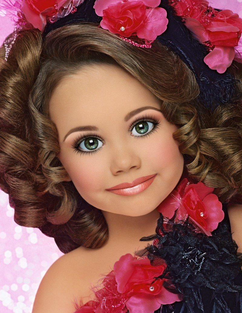 Free Toddlers Tiaras – And Debt The Costs Of Child Beauty Wallpaper