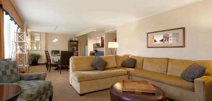 Best Embassy Suites Inner Harbor Hotel In Downtown Baltimore With Pictures
