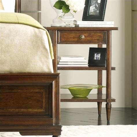 Best Stanley Furniture 264 13 81 Vintage Bedroom Telephone With Pictures