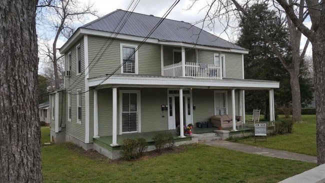 Best 300 E Montgomery St Milledgeville Ga 31061 Rentals With Pictures