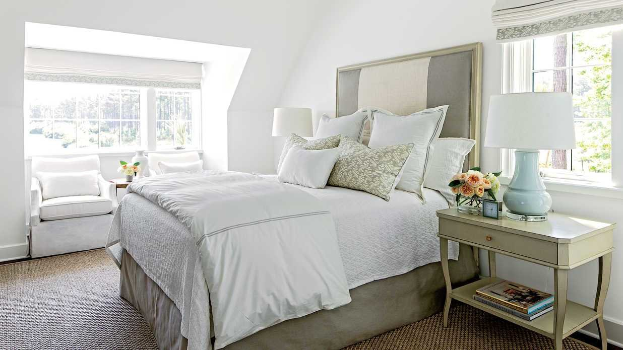 Best M*T*R* Guest Bedroom Gracious Guest Bedroom Decorating With Pictures