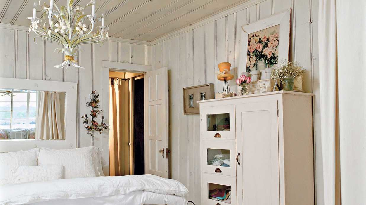 Best Cottage White Master Bedroom Decorating Ideas Southern With Pictures