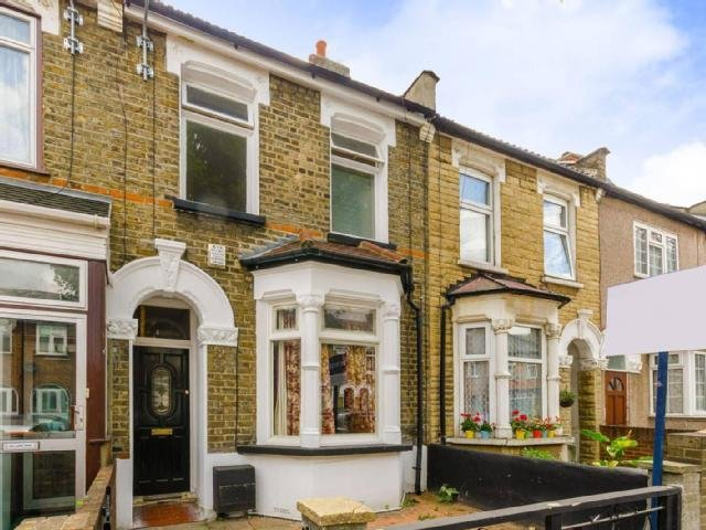 Best Houses Court Barking Mitula Property With Pictures