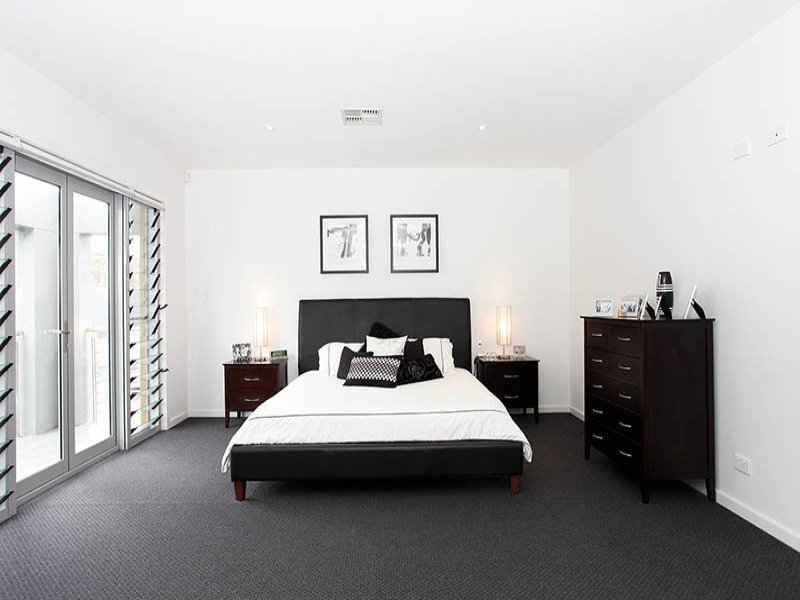 Best Modern Bedroom Design Idea With Carpet Sliding Doors Using Black Colours Bedroom Photo 1007876 With Pictures