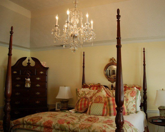 Best A Crystal Chandelier For The Master Bedroom With Pictures