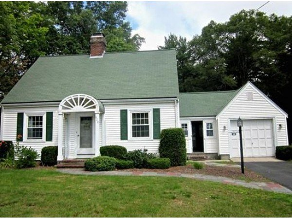 Best Charming 2 Bedroom Single Family Home Among Rentals With Pictures