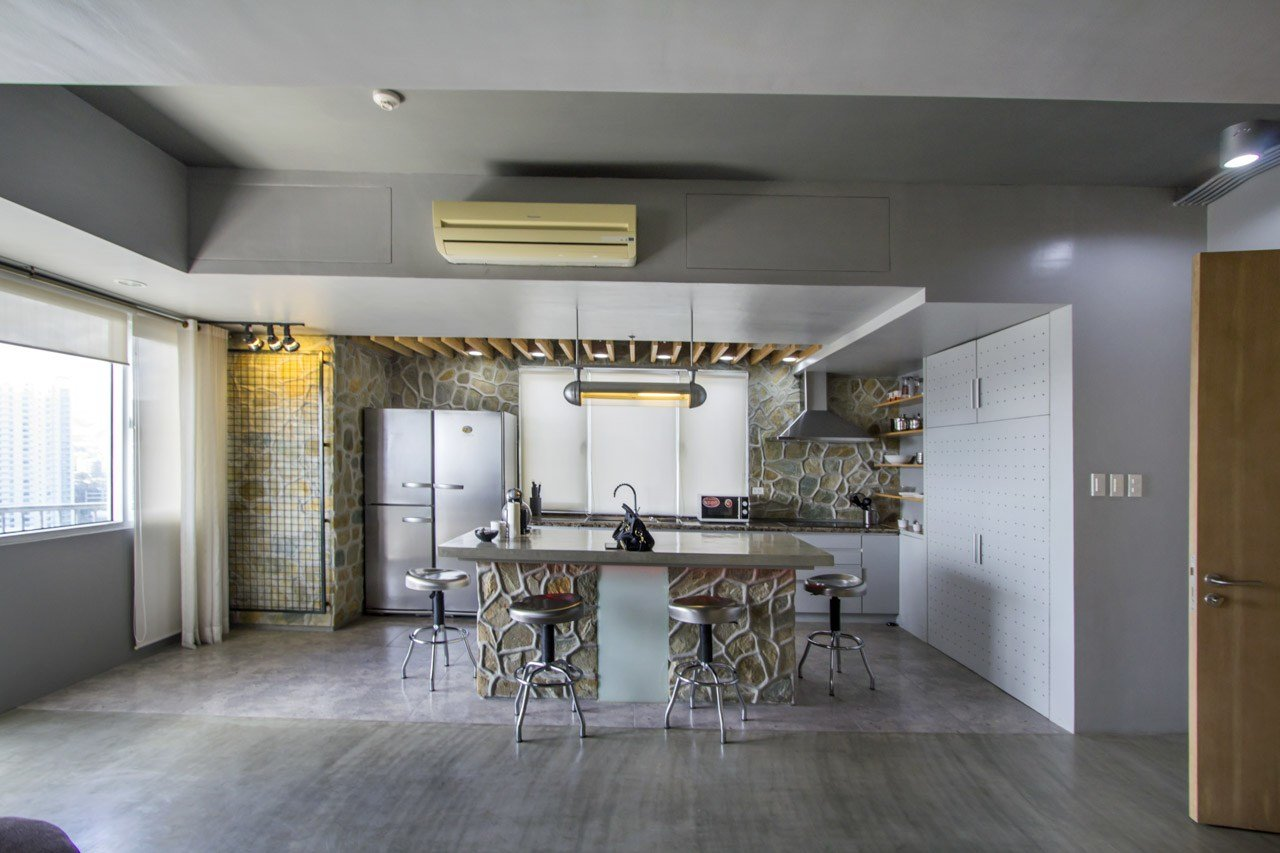 Best Spacious 1 Bedroom Bachelor Pad For Sale In Cebu It Park With Pictures