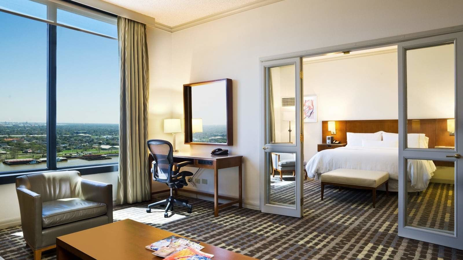 Best Deluxe River View Guestroom Hotel Rooms In New Orleans With Pictures