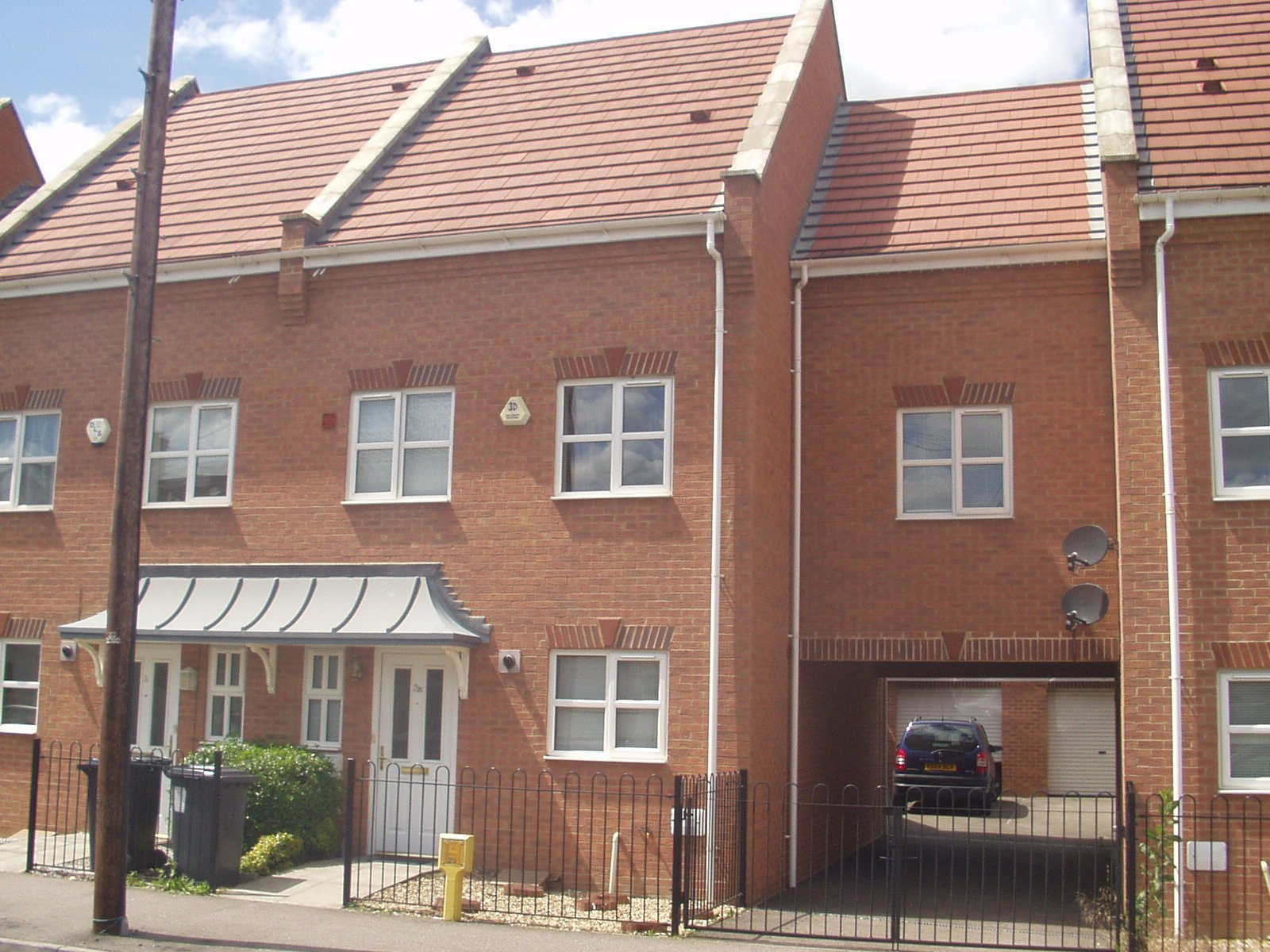 Best 3 Bedroom Townhouse For Rent In Bedford Rentals Lettings With Pictures