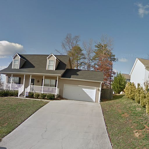 Best This 3 Bedroom 2 5 Bath Home Has 1 651 Square Feet Knoxville Tn Apartments For Rent With Pictures