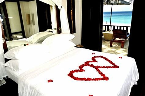 Best Keeppy Romantic Valentine S Day Bedroom Decorations With Pictures