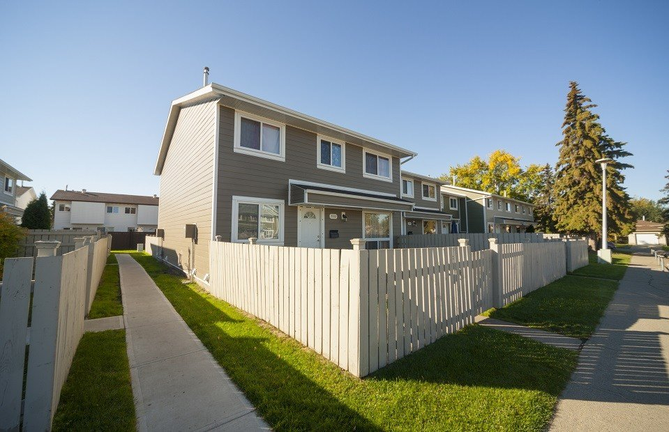 Best Edmonton West 3 Bedrooms Townhouse For Rent Ad Id Mpm With Pictures