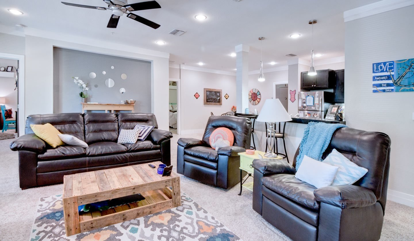 Best Furnished 4 Bedroom Apartments Near Uf With Pictures