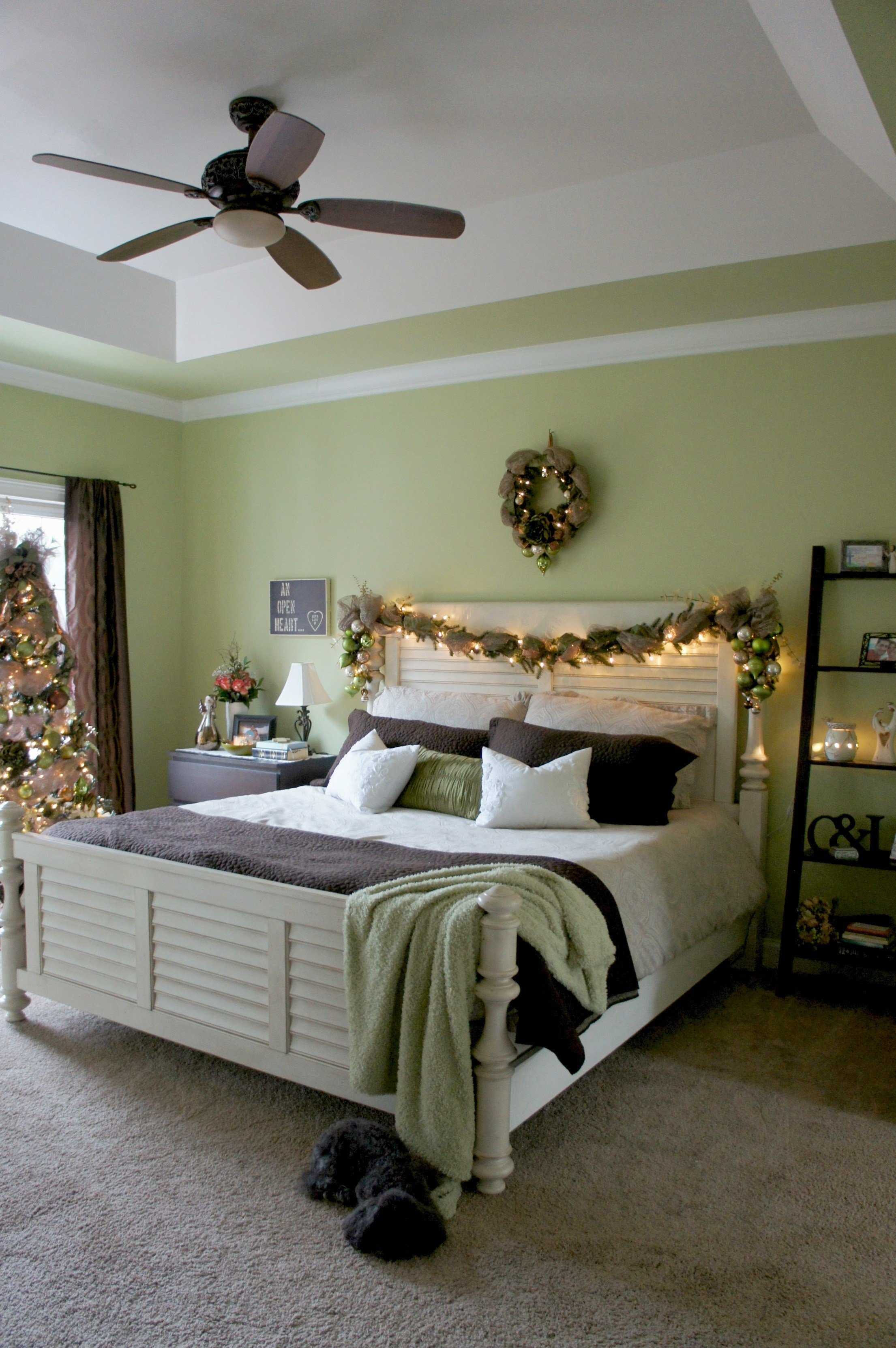 Best 30 Best Christmas Bedroom Decor Ideas With Pictures