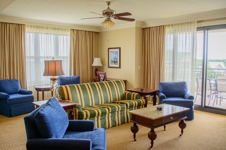 Best 5 Reasons To Stay At The Emerald Grande Resort In Destin With Pictures