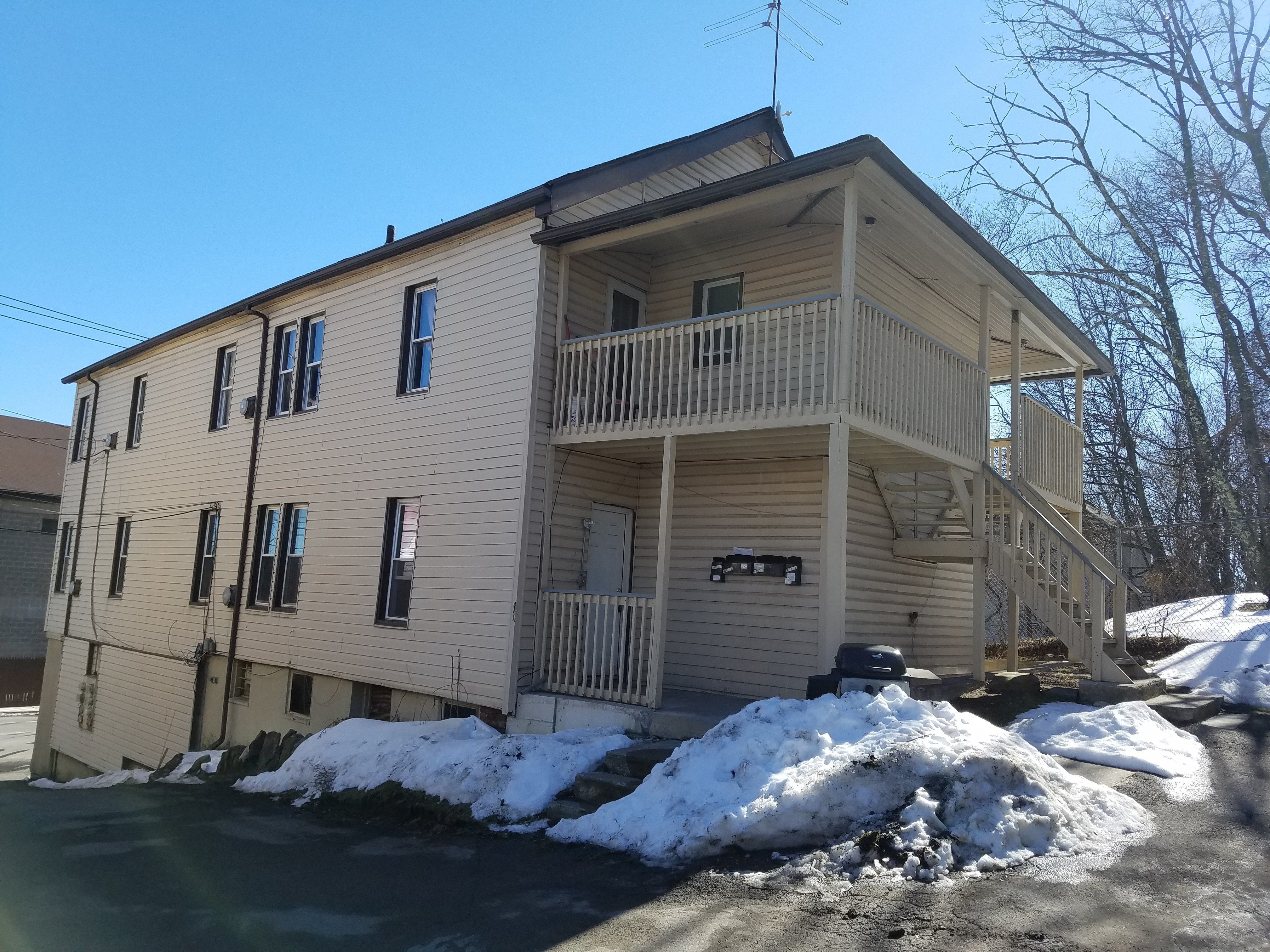 Best 1 Bedroom Apt For Rent In Middletown Colonial Property Management With Pictures